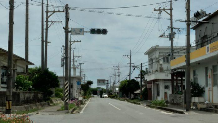 大原地区には西表島唯一の信号機