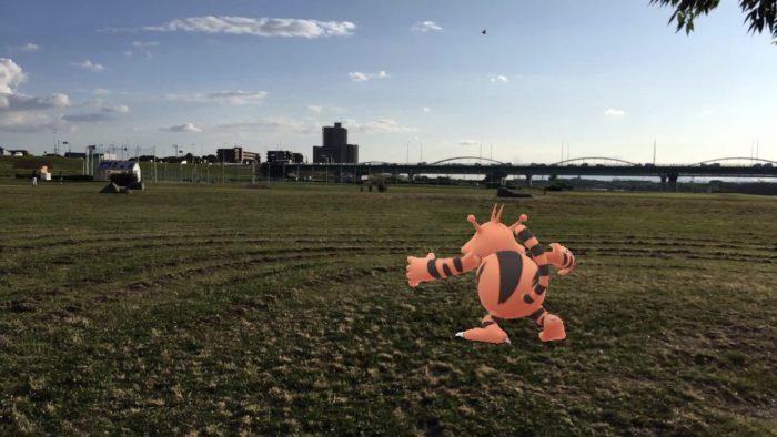 淀川沿いには野球場併設
